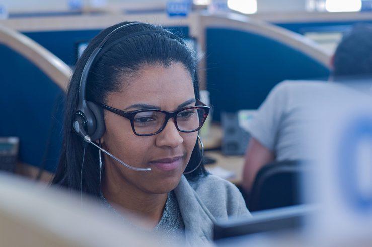 Entenda o que é um call center, sua importância e como funciona